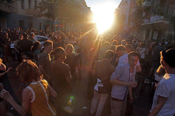 Crowd_Sunset
